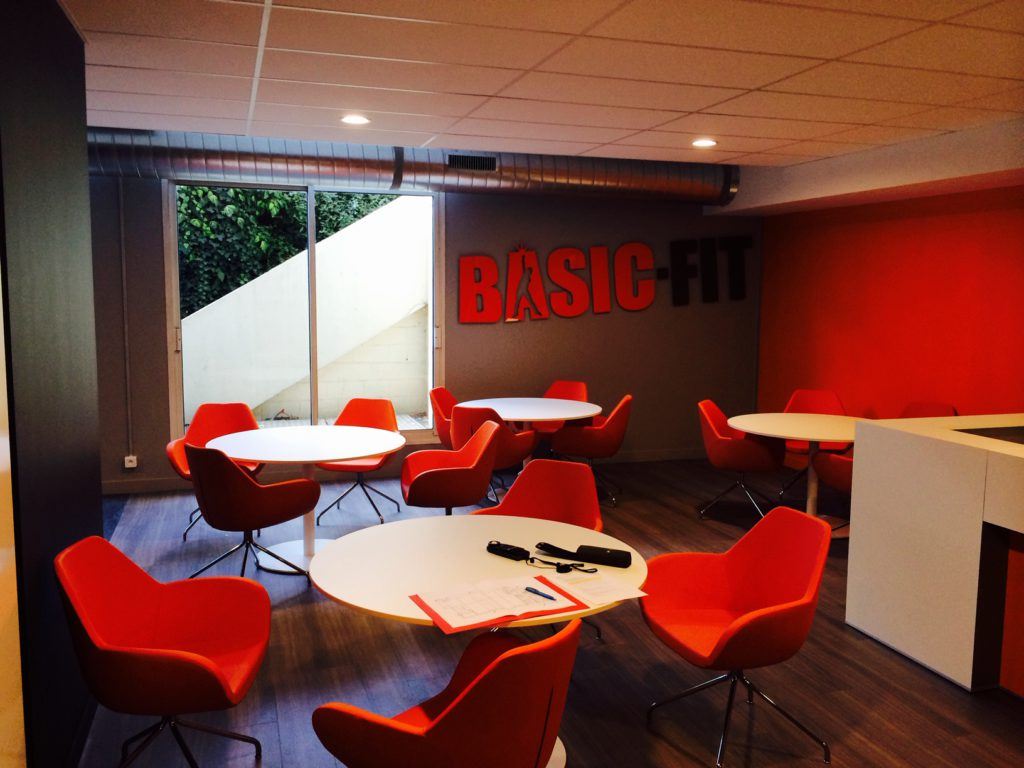 2Lite-lightdesign-licht-ontwerp-basic_fit_courbevoie_parijs-Paris-2
